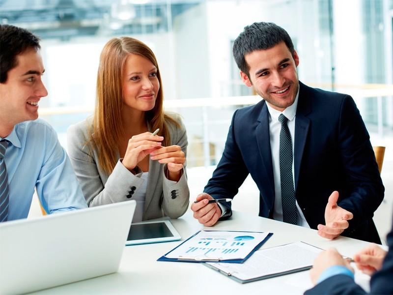 modelo servqual ejecutivos hablando